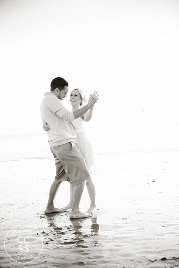 laguna-beach-engagement-picture-ideas-20