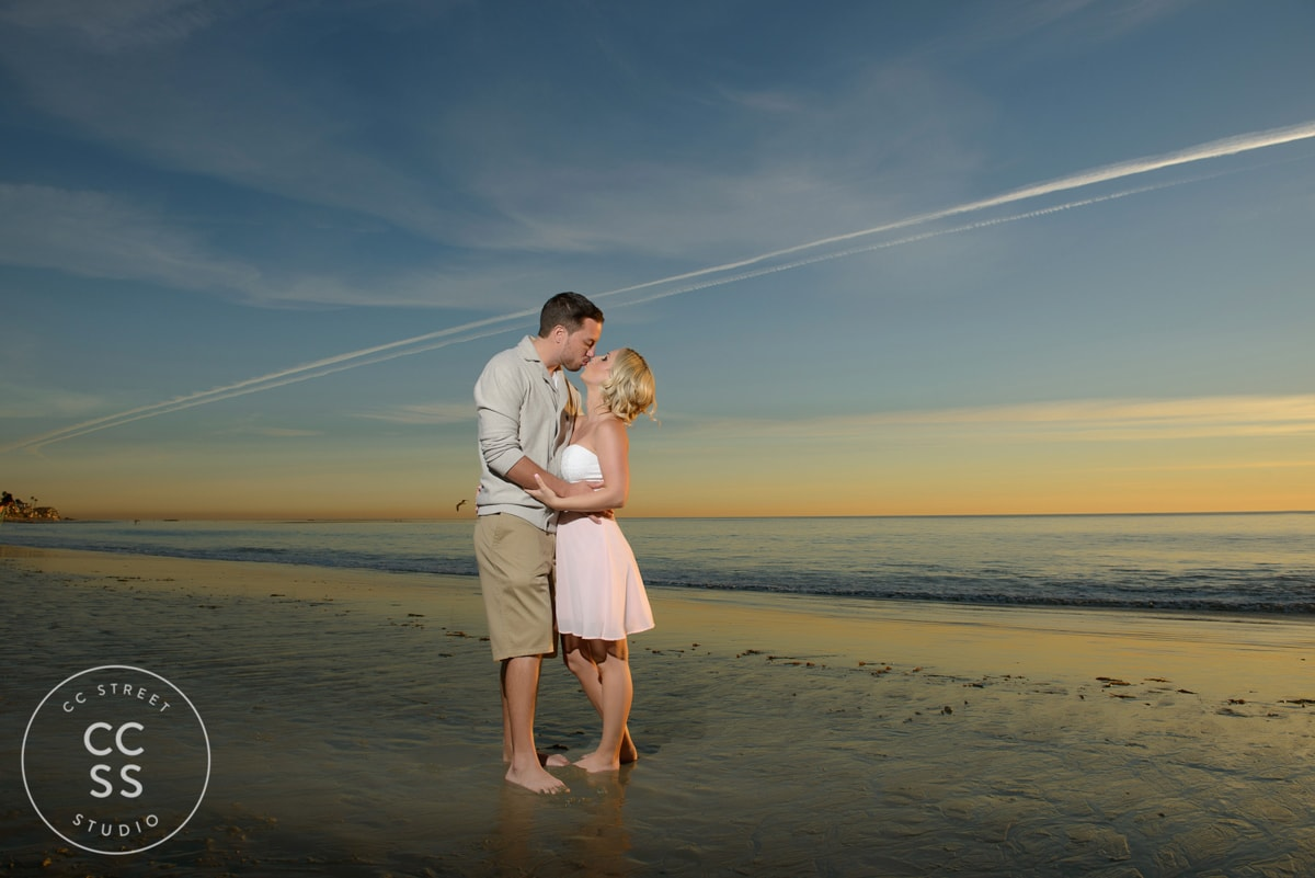 laguna-beach-engagement-picture-ideas-21