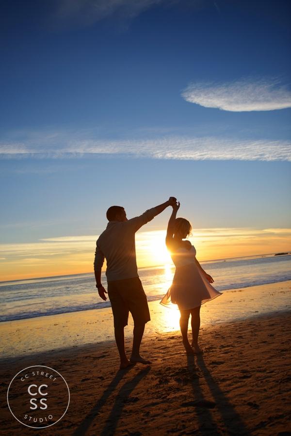 laguna-beach-engagement-picture-ideas-24