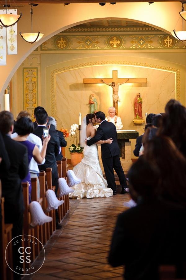7-degrees-wedding-st-catherine-of-siena-laguna-beach-08