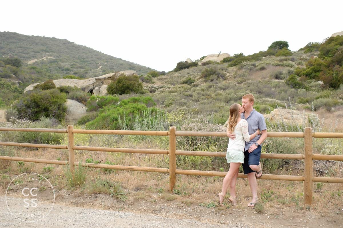 laguna-beach-hiking-trail-engagement-photos-03