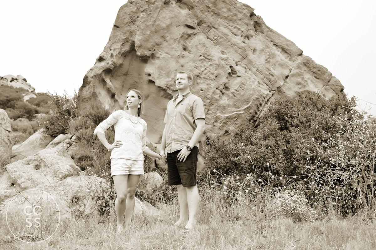 laguna-beach-hiking-trail-engagement-photos-08