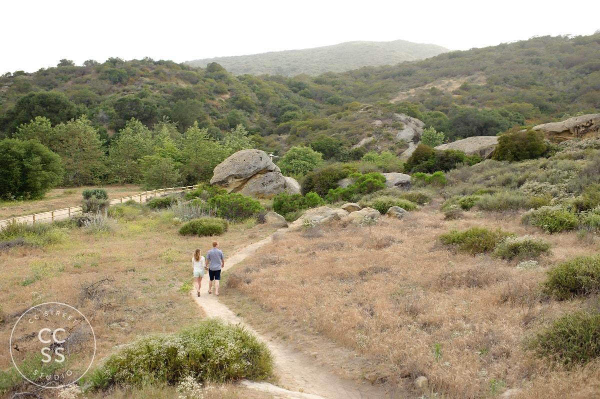laguna-beach-hiking-trail-engagement-photos-10