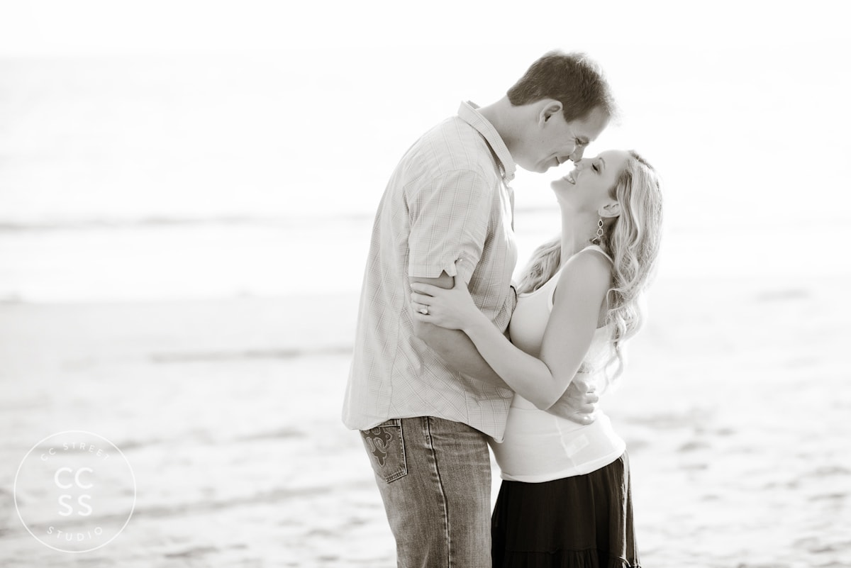 crystal-cove-maternity-photos-21
