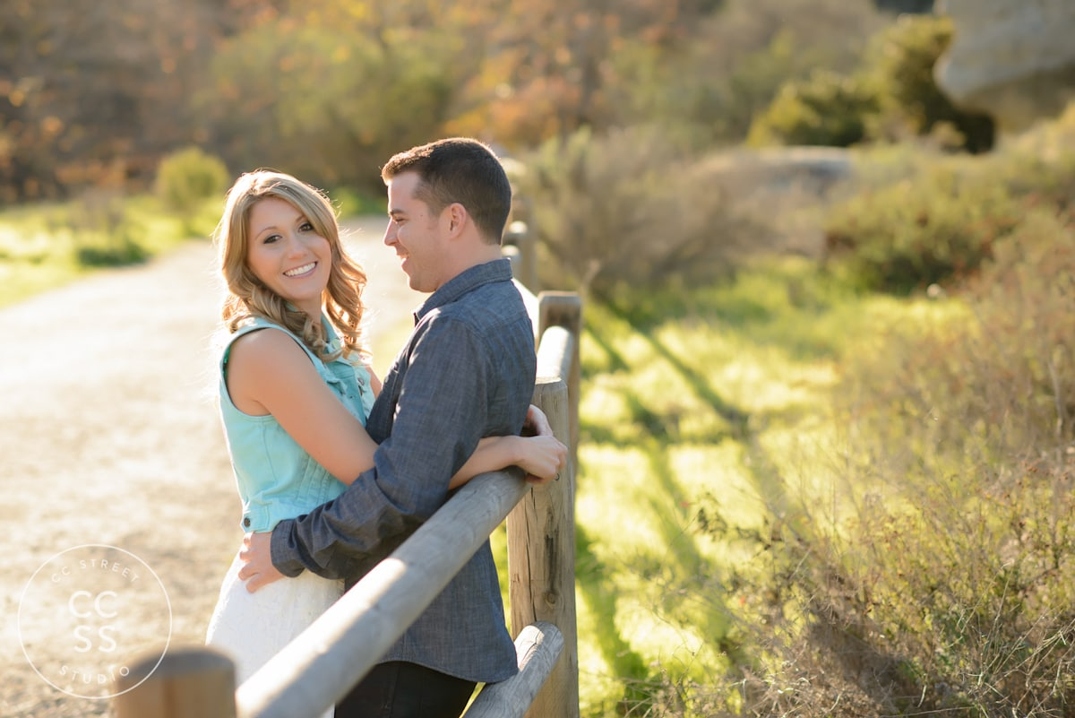 Laguna-Beach-hiking-trail-engagement-photos-04