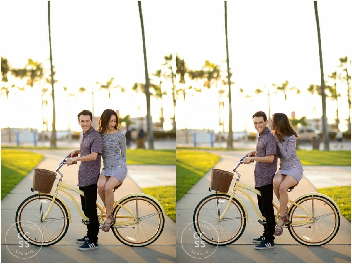 engagement photos with bicycles