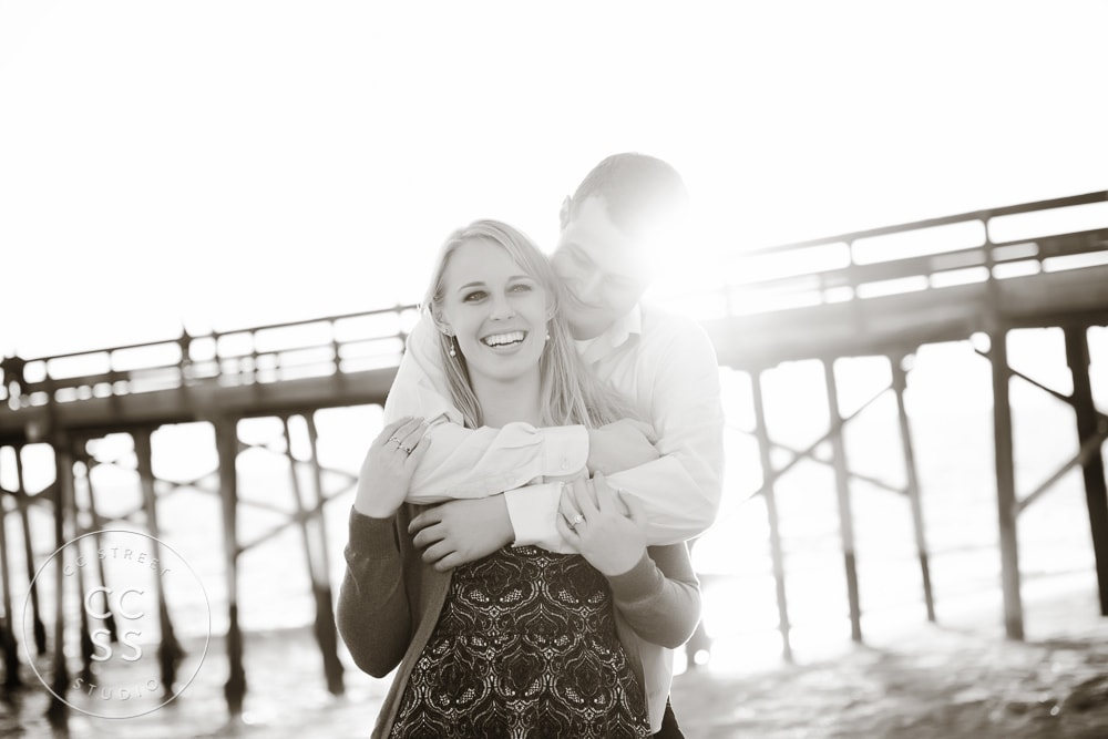 newport-beach-engagement-pictures-balboa-pier-18