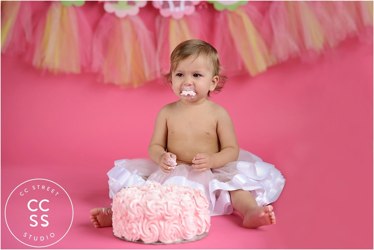 cake smash pictures with tutu