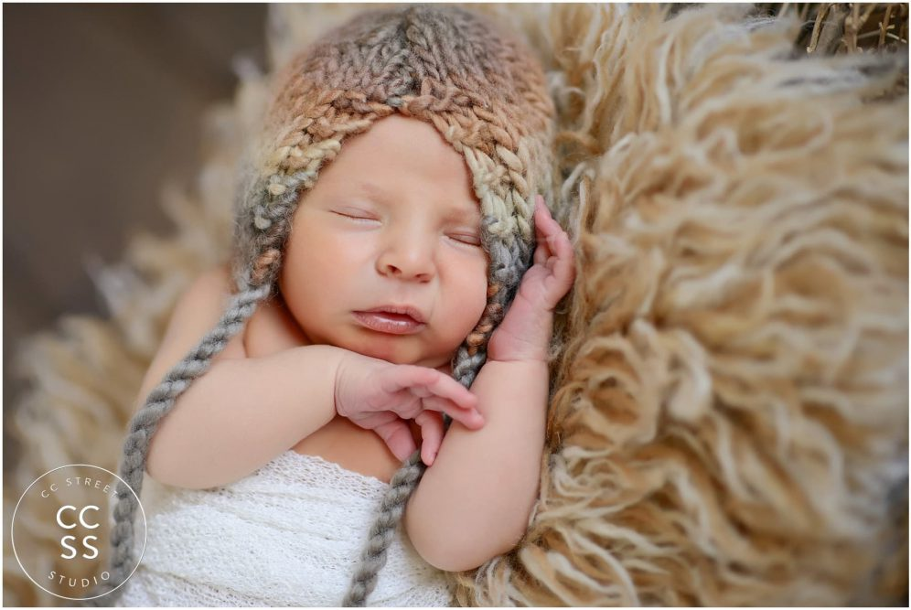 newborn-with-beanie
