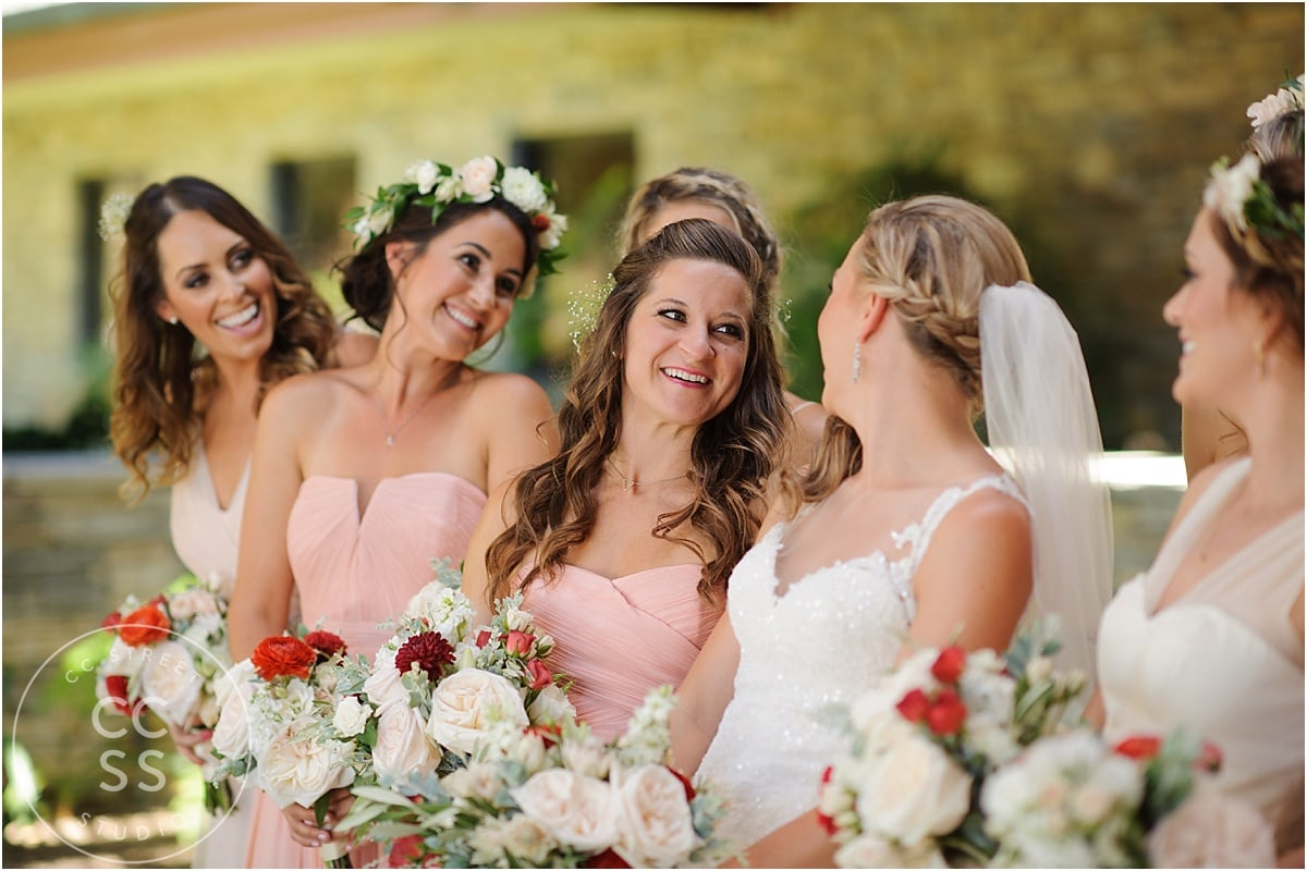 bridesmaids-flower-crowns