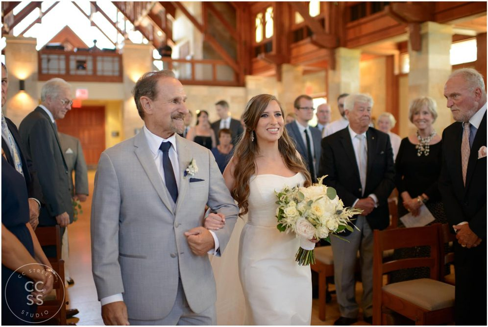 dad walking bride down the aisle